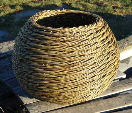 kurv kurvmaker kurvmakerskole, pilekurv kurvmaker, kurvmakerlærling, pilefletting, pilfletting, kurvmakerskolen, kurvfletting, silja levin, lars levin, skovstuen pil, kurver, levende pil, basket making, basketmaker, willoweaver, willow